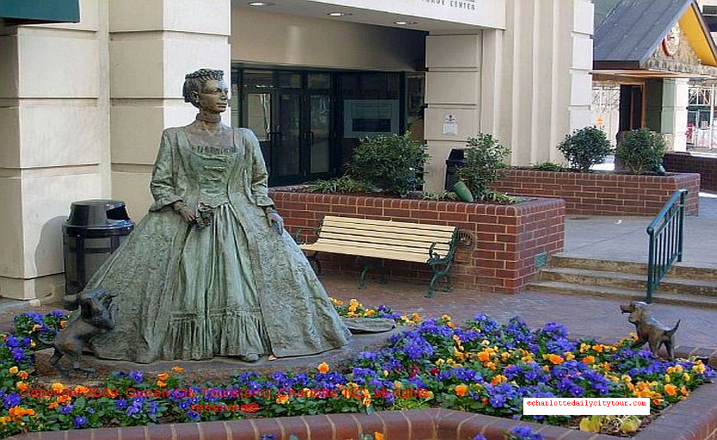 Queen Charlotte Statue - QCT Charlotte Daily City Tour